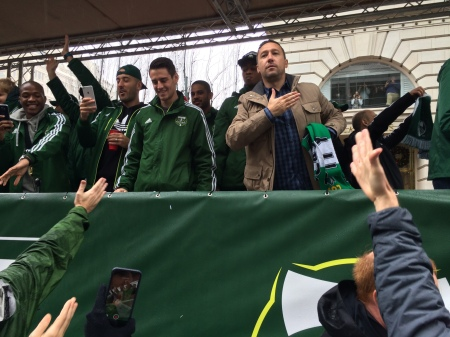 Head coach Caleb Porter expresses love for the Portland fans. Timbers players and fans are all getting photos of this occasion!